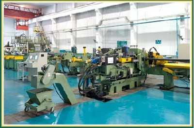 汽车U型纵梁翼板数控冲孔生产线