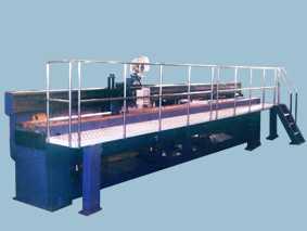 大型平板对接自动焊接机
